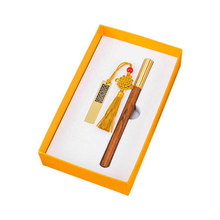 Classic gift set with pen and USB flash drive